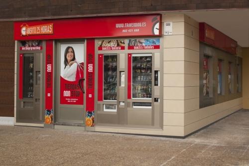 Tienda Abierto 25 Horas Calle Doctor Carreño - Salinas - Asturias