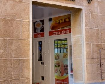 Tienda Abierto 25 horas en Segovia