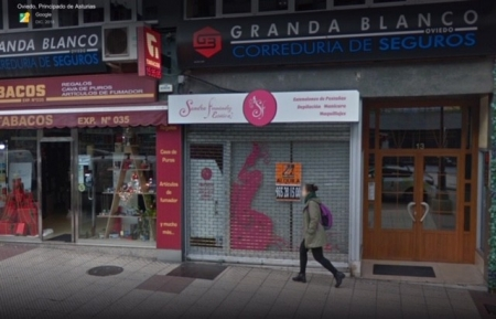 Antigua , tienda de belleza , en Oviedo ,Principado de Asturias .