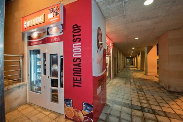 OVIEDO,, Principado de Asturias,Inauguración, nueva tienda #abierto25horas .
