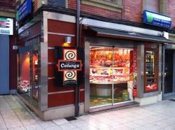Expendedora de productos cárnicos en Carnicería Colunga de Oviedo