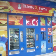 Expendedora de recargas telefónicas modelo Eravending Maxi Online en Tienda Abierto 25 Horas en Burgos