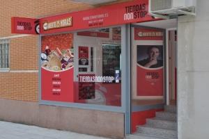 Nueva tienda ABIERTO 25 HORAS , en Madrid , zona las tablas , al lado de tele 5 .