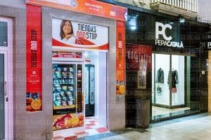 Nueva tienda ABIERTO 25 HORAS , low cost , en la calle mayor 48 , Gandia ,Valencia .