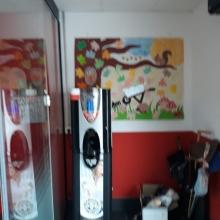Máquina expendedora en la residencia de mallores de Boal , Principado de Asturias .