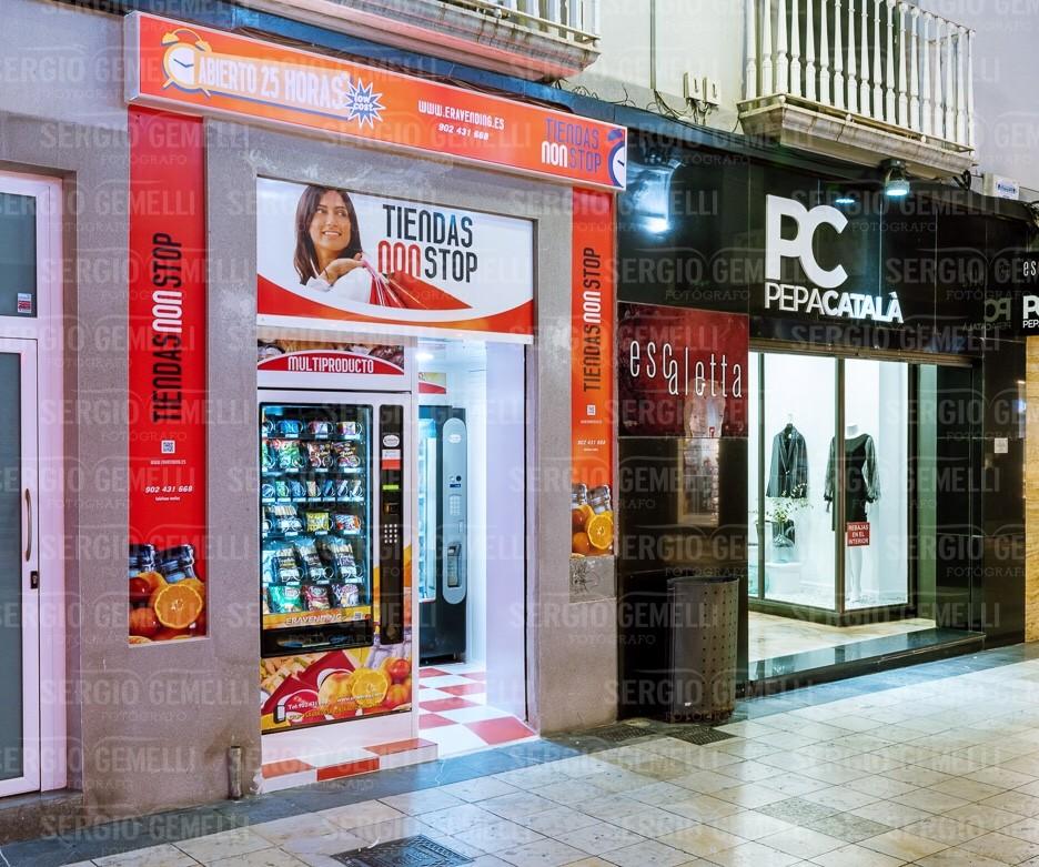 Nueva tienda ABIERTO 25 HORAS , low cost , en la calle mayor 38 , Gandia